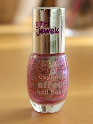 essence effect nail polish 03 glitz & glam